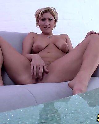 Femei cu Sânii Mari Germană MILF JUCĂRII