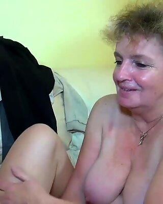 Nochgeil Haarig alter OMA masturbiert mit jungen Pärchen