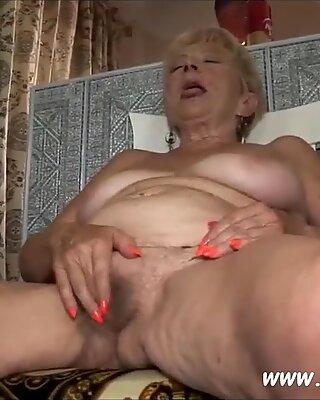 Diese gutmutige Hure sagt, sie will viel Sex
