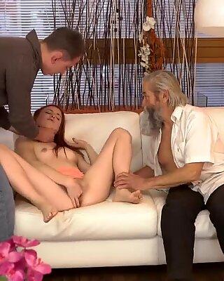 Alte Sauna und Haarigrrei-Masturbation Unerwartete Erfahrungen mit einem älteren Gentleman