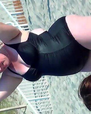 Big mature bbw beach