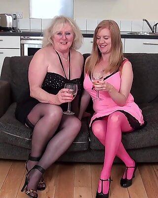 Oldnanny Lilie Mai und Claire Knight Lesbisch-Video