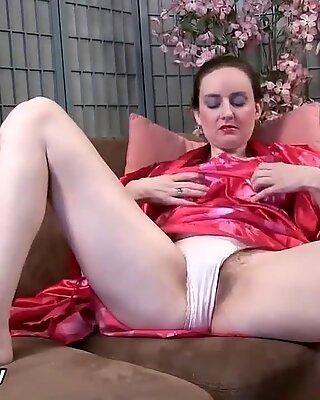 Hot Milf, Trixie Finger her hairy pussy