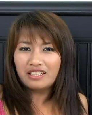 Freaky thailändische Amateur Lady wird richtig hart gefickt