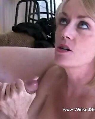 Closeup sex oral de la Amator Gilf (Bunicuță de Futut)