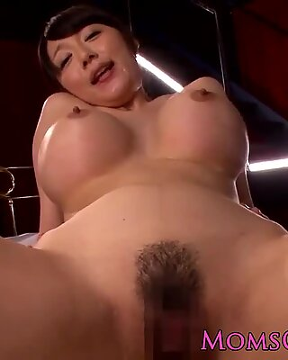 Femei cu sânii mari japoneză miho ichiki pov pula plimbare