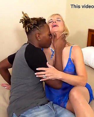 18 Y/o Fucks granny after the gym !!! (Presley ST. Claire &amp_ Handsomedevan)