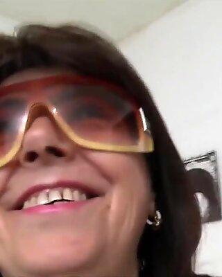Scambisti maturi - moden italiensk amatør i hot mmf sex