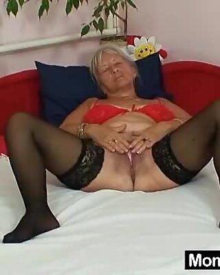 Hässlich Großmutter Cecilie Spielzeug ihre Haargütermuschel