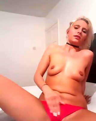 Fuckdoll lucy finger-tickling her wet cooter