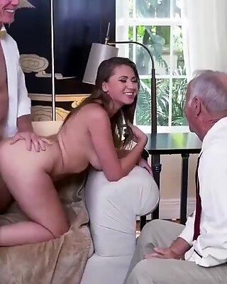 Milf Teenie HD und Thai Fick Efeu beeindruckt mit ihren immensen Titten und Arsch - Efeu Rose