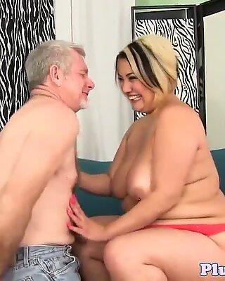 CockRiding BBW-Baby, das Glückhicher Schwanz anzieht