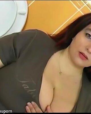 Fett BBW Frau in Badezimmer hat Sex mit dem jungen Mann