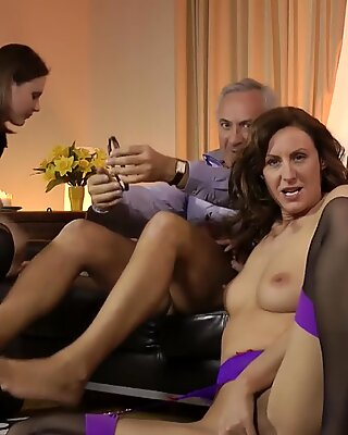UK milf swapping cum after getting fucked