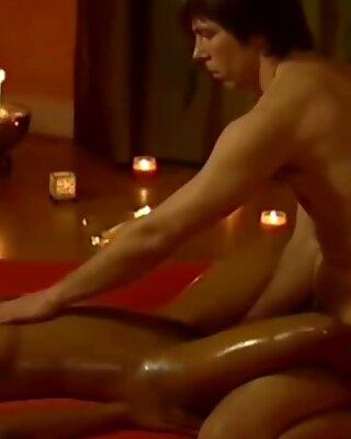 Anal Loira da Europa que experimenta a profunda cona massagem