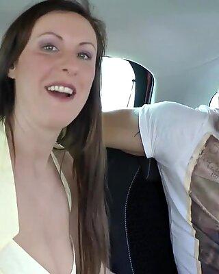Botado Madura Brit Brit Doggystyled em Euro Duo