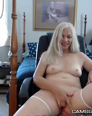 Hot Naughty Blobde Milf In Solo Masturbation