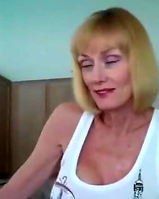 Fuck My Amateur GILF At Home