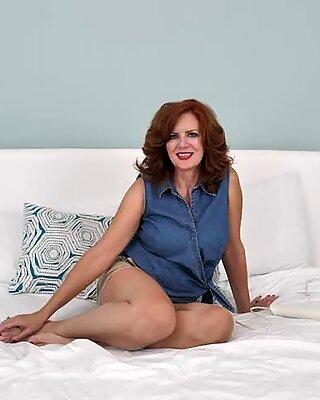 Big Tits Mature Masturbates Her Meaty Pussy To Orgasm