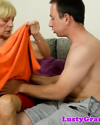 Mature woman gets fucked after foreplay