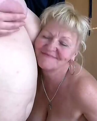 Oldnanny To Tyk Lesbisk Matures Sucking Old Pik