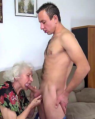 Kurvig 91 Jahre alt Mutter von Toyboy gefickt