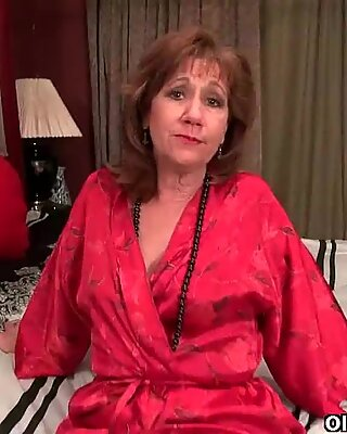 American milfs Katrina and Penny play with themself