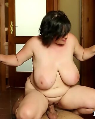 curvaceous mature dickriding after oral
