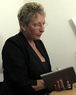 Letsdoeit - deutsch oma hart von ihrem sohn gefickt