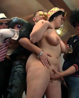 insane plumper soiree in the bar