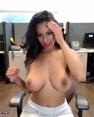 Amateur indisch masturbiert ihre indisch muschi in richtlichkeit büro bei der arbeit