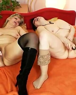 Amateur granny moms kinky lesbian pussy games