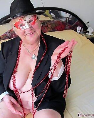 Omageiil Großmutter Bilder mit nackten älteren Körpern