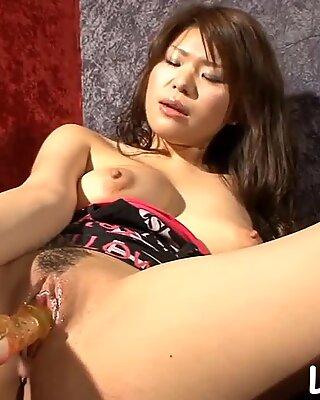 SLut shows off her wet cunt